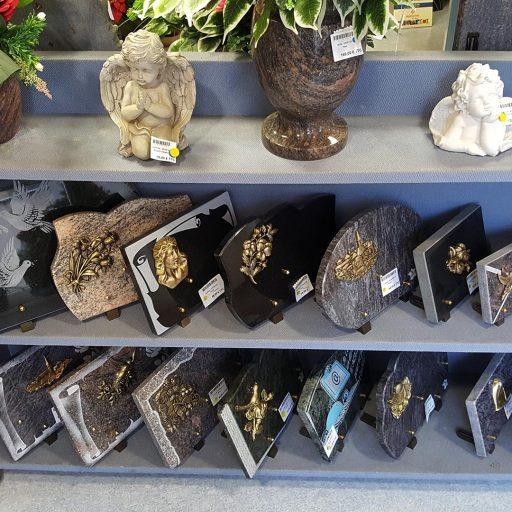 plaque souvenirs en marbre et décors en bronze