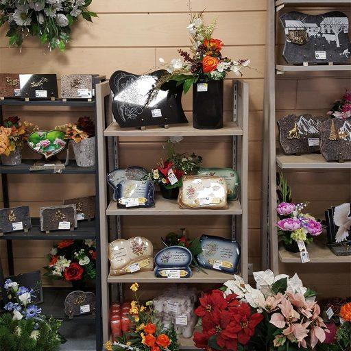 accessoires fleurs et pierres pour tombes
